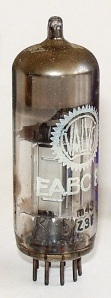 Radio_vacuum_tube-EABC80