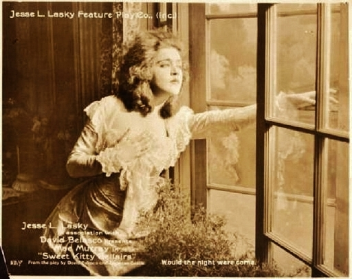 Mae Murray sweet kitty window 2